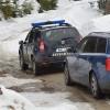 Turişti prahoveni, blocaţi pe drumul de la Cascada 7 izvoare