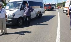 Ultima oră! Accident cu microbuz, pe DN 72, la Picior de Munte. Trei pasageri au fost răniţi