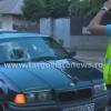 Două eleve, luate pe capotă de un BMW, lângă Liceul Petru Cercel, în Târgovişte