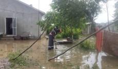 Ploile au inundat şi gospodăriile din comuna Niculeşti, Dâmboviţa