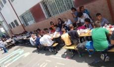 O masă caldă pentru 460 de copii, în programul Help After School