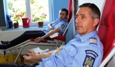 Jandarmii dâmbovițeni donează sânge