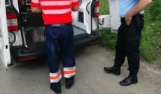 Un biciclist rănit, ajutat de jandarmi până la sosirea ambulanţei