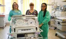 Mulțumim, Dorna! Incubator foarte necesar, donat Maternității din Târgoviște