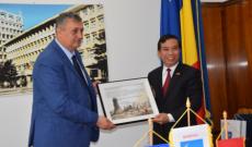 Ambasadorul Republicii Socialiste Vietnam în România, E.S, domnul Dang Tran Phong, a vizitat Județul Dâmbovița