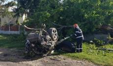 ACUM! Dublă tragedie la Gura Foii, pe DN 7. Doi oameni au murit după ce mașinile în care se aflau s-au ciocnit violent