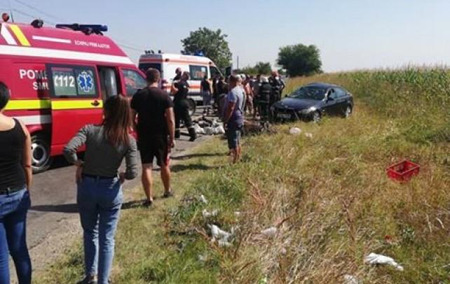Accident grav, la Matraca! Şoferul unui BMW a intrat pe contrasens şi a spulberat o căruţă
