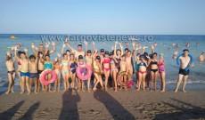 Preotul care a strâns bani pentru ca 70 de copii sărmani, din Dâmboviţa, să vadă prima dată marea