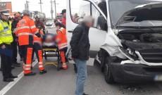 ACUM! Accident între un taxi şi un microbuz, pe drumul dintre Ploieşti şi Târgovişte