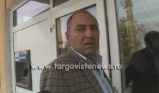 Scandal în Dâmbovița pentru o sută de kilograme de pilitură de argint: bătăi și cauciucuri tăiate cu sabia