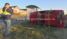 Primele imagini surprinse imediat după producerea accidentului de la Voineşti. 5 oameni, duşi la spital