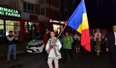 Străzile din Găești au îmbrăcat haine de sărbătoare