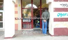 ACUM – Video – S-a dat atacul în mai multe magazine şi agenţii de turism, din Târgovişte