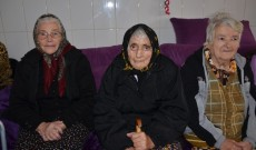 Lacrimi de emoţie, bucurie şi melanocolie, la Căminul de bătrâni Ghergani