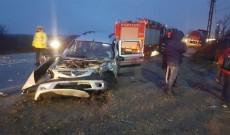 ACUM – Accident grav între Târgovişte şi Ploieşti. Două persoane au fost încarcerate