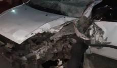 Accident grav într-o intersecţie din Pucioasa. Un şofer a intrat pe contrasens într-un camion