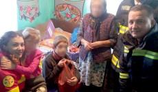 Gest de suflet făcut de voluntari pentru o familie sărmană, din Vulcana Băi