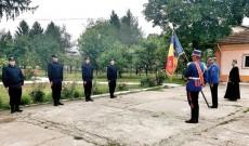 Patru elevi aflați în stagiul de practică la Jandarmeria Dâmbovița au depus jurământul militar