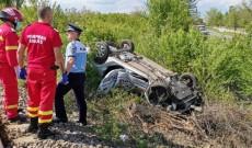 ACUM – Accident înfiorător. O autospecială de poliţie, lovită de tren. În maşină erau doi poliţişti şi doi jandarmi