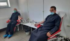 Târgovişte – Aproape 200 de preoţi şi credincioşi au donat sânge