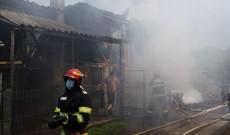 ACUM – Incendiu într-o gospodărie din Runcu