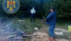 Amendați de jandarmi după ce au făcut focul în ariile protejate din Bucegi
