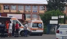 Doi elevi au fost împuşcaţi cu un pistol cu bile, în faţa unui liceu din Ploieşti