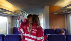 Voluntarii Crucii Roșii Dâmbovița au mers cu trenul şi le-au explicat călătorilor despre virusul COVID-19