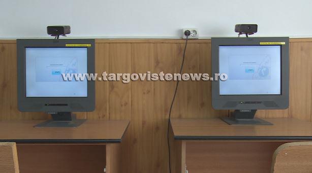 Târgovişte – Prinsă în timp ce i se suflau prin telefon răspunsurile la examenul pentru obţinerea permisului de conducere