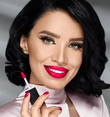 (P) Care sunt cosmeticele profesionale folosite de către vedete?