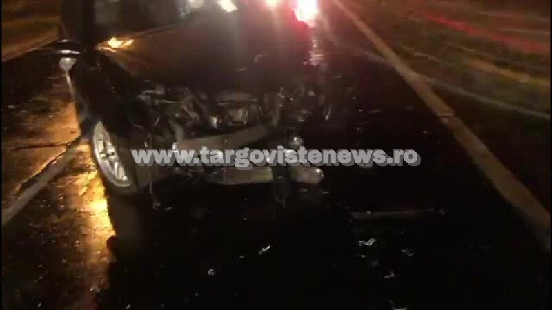 Impact violent pe DN 71, la Doicești. Doi oameni au fost răniți