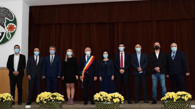 Găeşti – Primarul Grigore Gheorghe și consilierii locali au depus jurământul