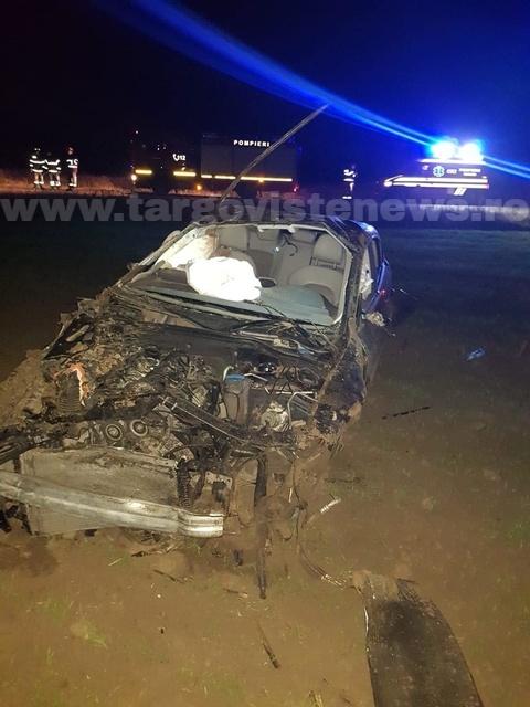 O şoferiţă, de 22 de ani, s-a răsturnat cu maşina, la Petreşti