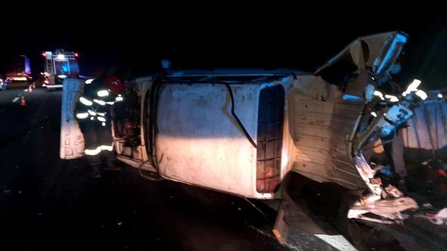 Azi-dimineaţă – Accident între trei maşini, pe autostradă. O femeie a fost rănită
