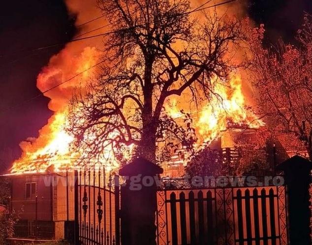 Casă arsă în totalitate, la Dealu Frumos, în Pietroşiţa