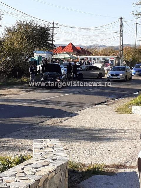 Două femei au fost rănite după ce trei maşini s-au buşit, la Gheboieni