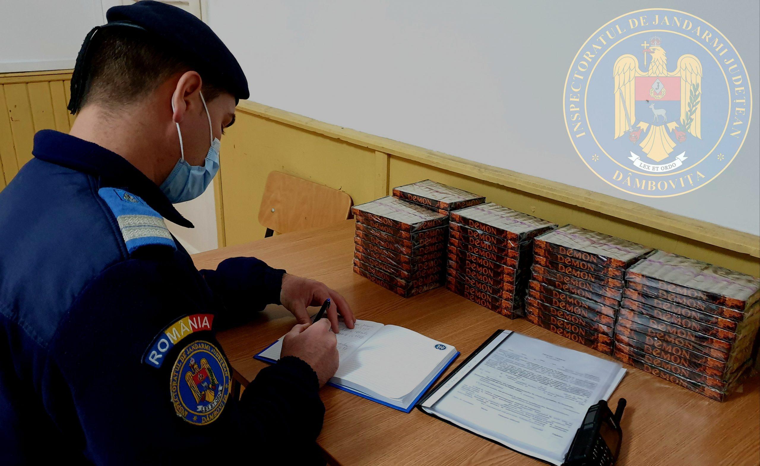 Un tânăr, de 20 de ani, prins de jandarmi în timp ce vindea petarde, în Târgovişte