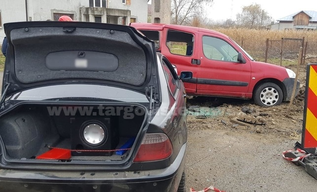 Accident la Valea Voievozilor! Un BMW a fost grav avariat