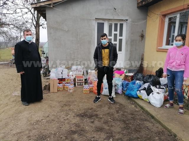 O profesoară inimoasă şi elevii săi au strâns bani şi le-au pregătit cadouri minunate unor copii sărmani