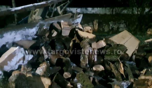 O căruță cu lemne s-a răsturnat peste un tânăr din Decindeni. Bărbatul a ajuns la spital