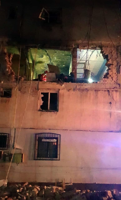 Imagini cutremurătoare după explozia de la Găeşti. 38 de oameni au fost evacuaţi, 24 de apartamente sunt distruse