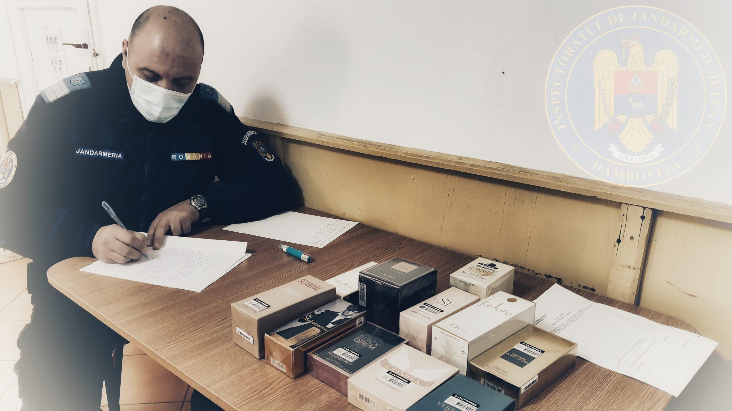 Parfumuri contrafăcute, confiscate lângă mall-ul din Târgovişte
