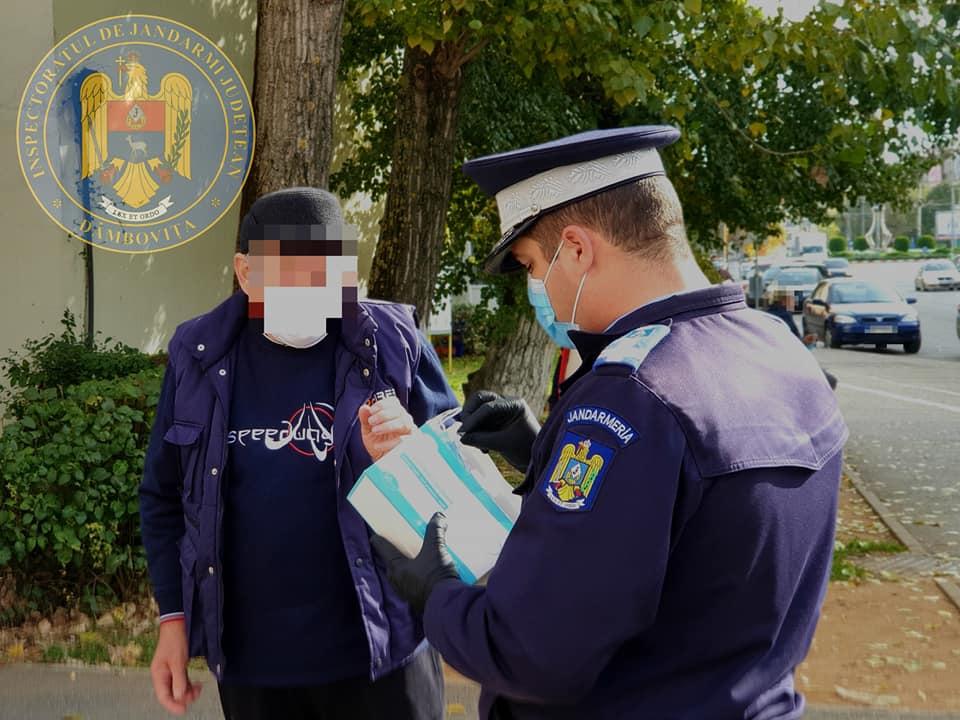 47 de dâmboviţeni, amendaţi pentru că nu purtau mască de protecţie