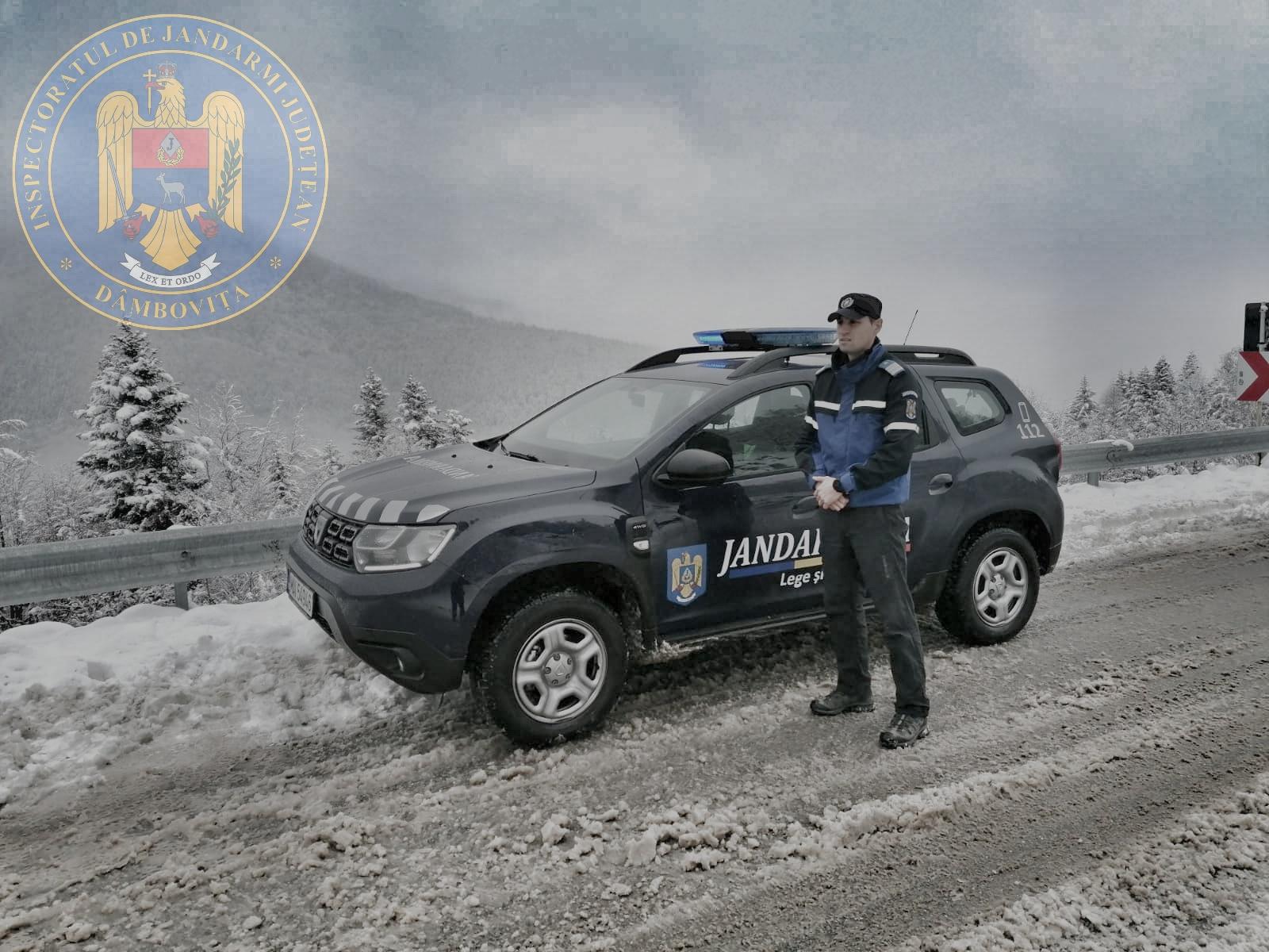 Trei turişti din Bucureşti au rămas înzăpeziţi la Cascada 7 Izvoare