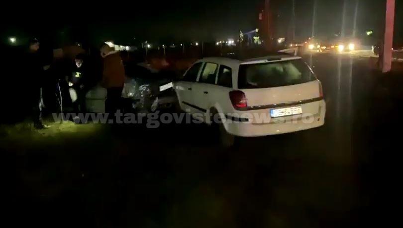 Trei maşini, dintre care două BMW-uri, grav avariate, la Aninoasa