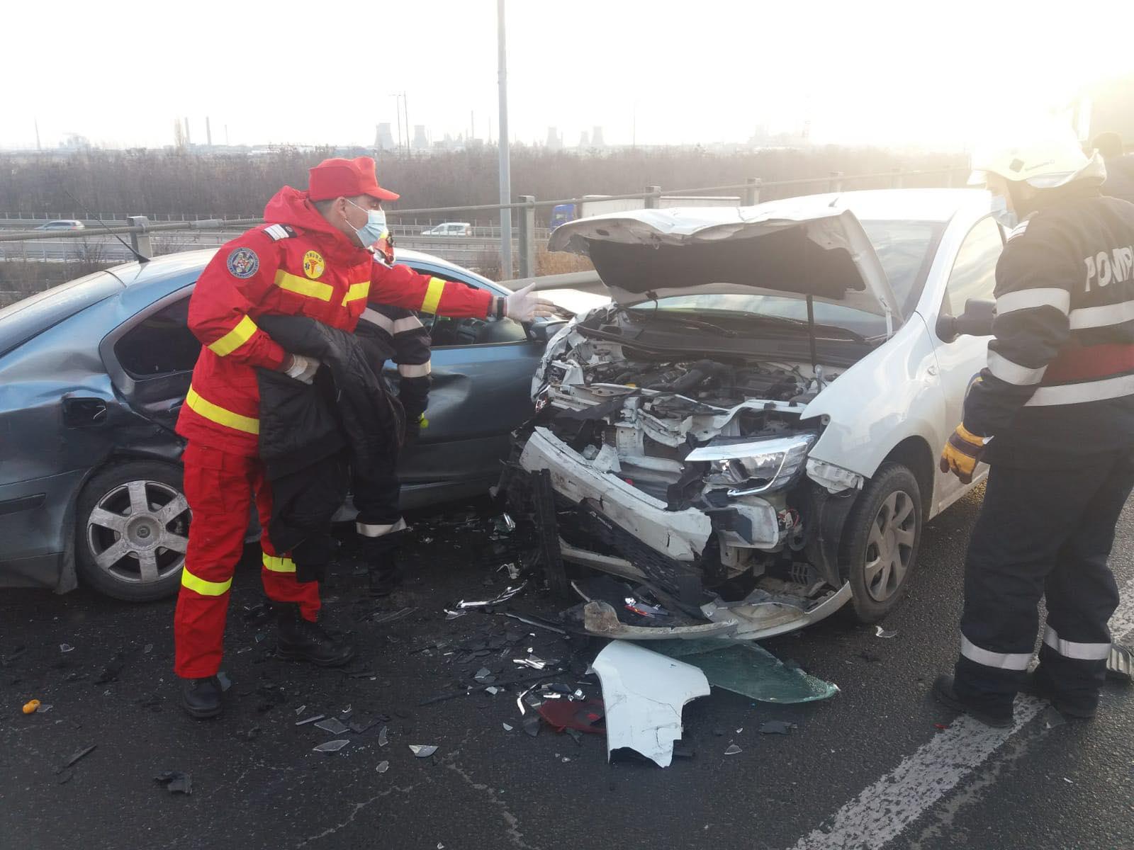 ACUM – Accident cu 3 victime, la ieşirea de pe A1, zona Carrefour, în Piteşti
