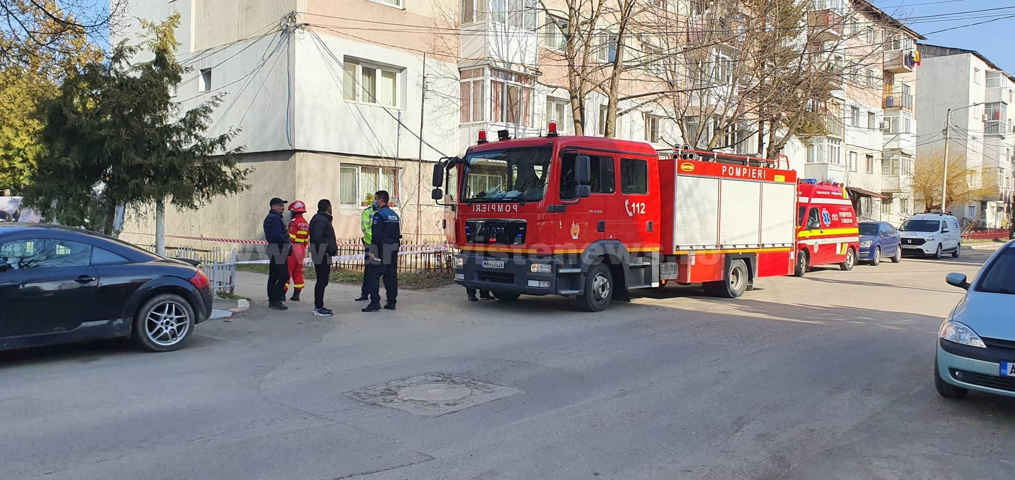 """Bloc din Găești, evacuat din cauza unei scurgeri de gaz. """"Era miros îngrozitor"""""""
