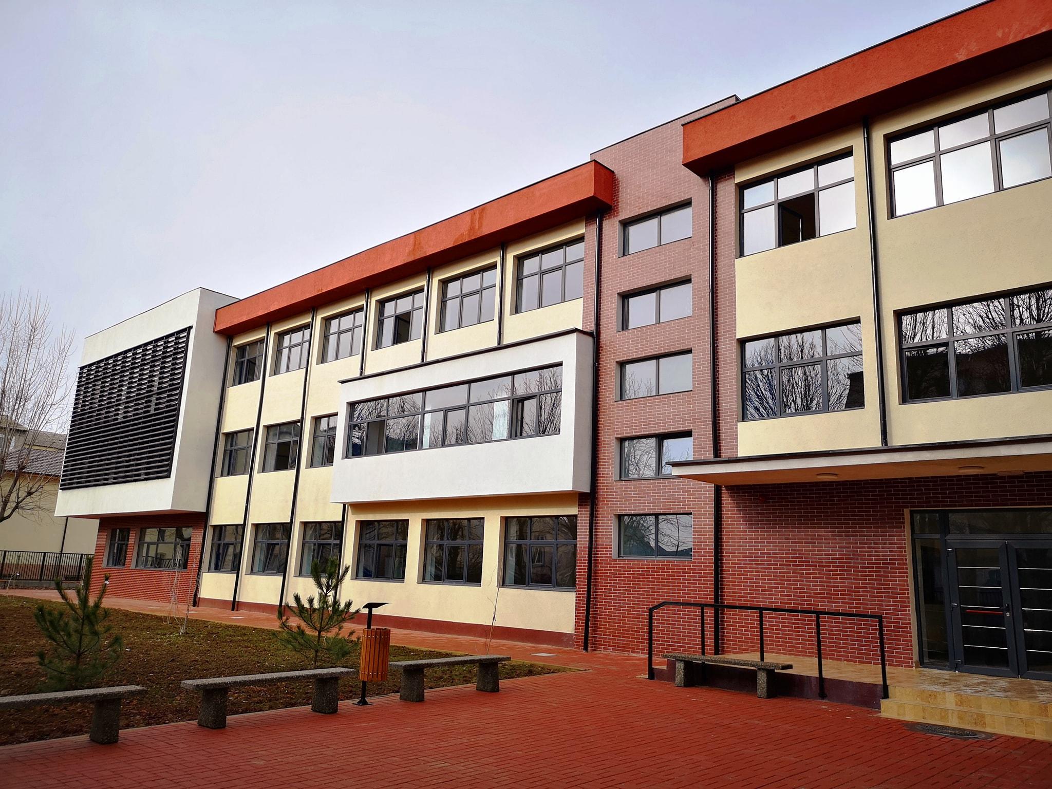 Târgovişte – Şcoala Mihai Viteazul a fost modernizată. Ce dotări impresionante are