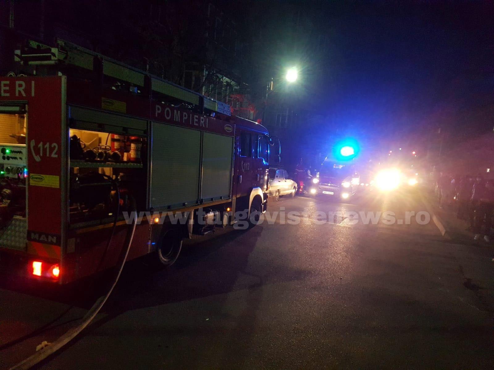 Panică într-un bloc din Găeşti. 50 de locatari, evacuaţi de urgenţă