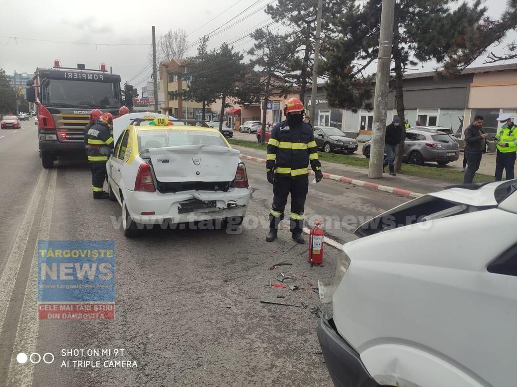 ACUM – Un taximetrist a fost rănit în accident, pe podul de la ieşirea din Târgovişte